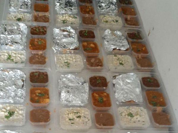 જાયકા ટિફિન સર્વિસમાં એક પ્લેટની કિંમત 130 રૂપિયા છે. એમાં દાળ, ભાત, બે શાક, રોટલી, રાયતું, સ્વીટ્સ/હલવો, સલાડ અને ચટણી રહે છે.