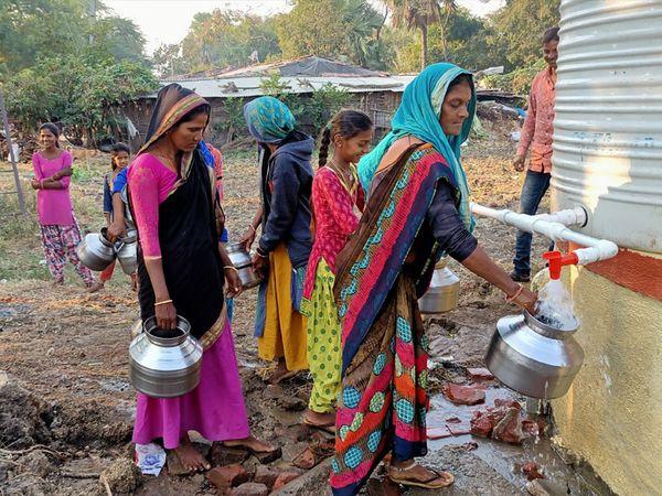 ચંદાનગર વસાહતને અને ઝાબ વસાહતમાં પાણી આપવા માટે કાવીઠા ગ્રામ પંચાયત દ્વારા કામગીરી કરવામાં આવી. - Divya Bhaskar