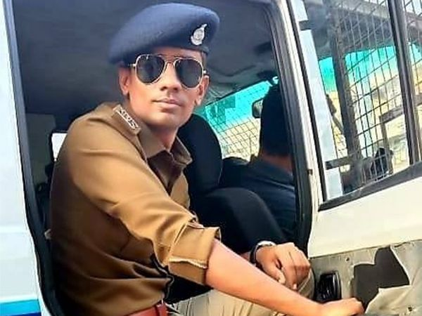 પોલીસ જવાન ગણેશ ચૌધરી. - Divya Bhaskar