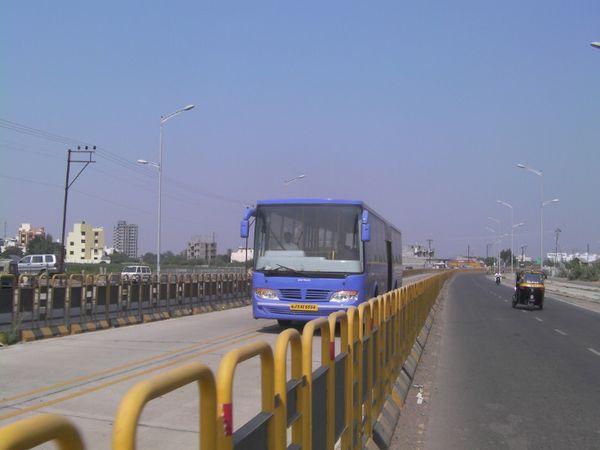 રાજકોટ સિટી અને BRTS બસમાં ભાઈબીજે મહિલાઓ માટે ફ્રીમાં મુસાફરી કરાવવામાં આવશે - Divya Bhaskar