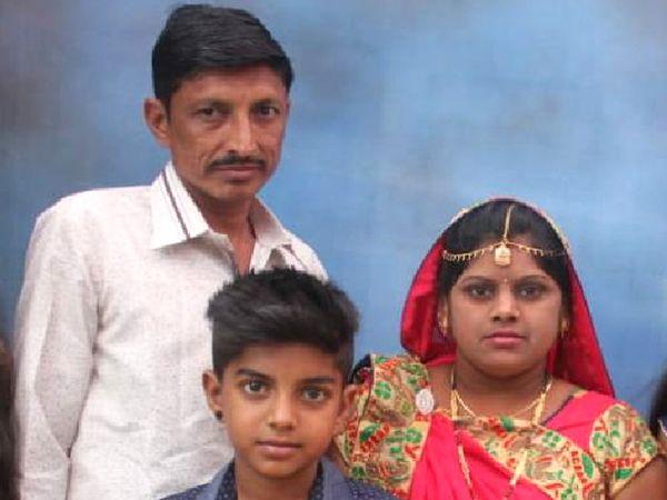 મૃતક યુવાન અને ઇજાગ્રસ્ત પત્ની અને પુત્રની ફાઇલ તસવીર - Divya Bhaskar