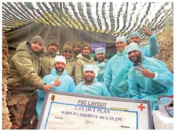 કેટલાક દિવસ પહેલાં જ સૈન્ય ડોકટરોએ 16 હજાર ફૂટ ઊંચાઈ પર એક સૈનિકની સર્જરી કરી હતી. - Divya Bhaskar