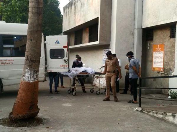 108 એમ્બ્યુલન્સ મારફત મૃતદેહોને સયાજી હોસ્પિટલમાં લાવવામાં આવ્યા હતા.
