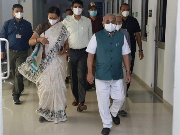 આરોગ્ય સચિવ સાથે નાયબ મુખ્યમંત્રી નીતિન પટેલે સિવિલમાં બેઠક કરી હતી