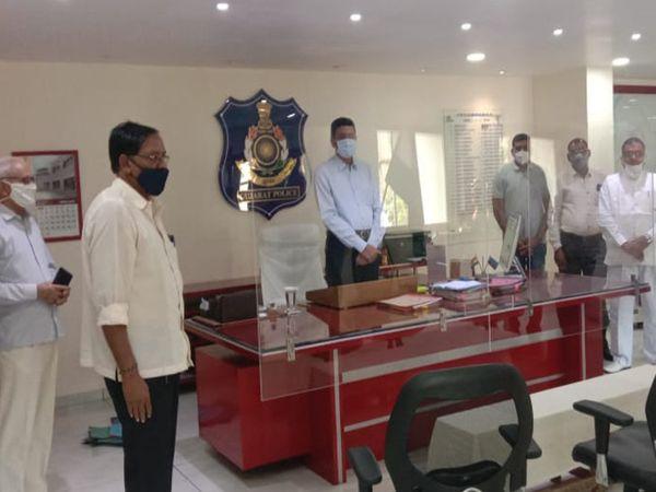 પોલીસ કમિશનર સાથે મુલાકાત કરીને છઠ પૂજાનું સામૂહિક આયોજન સર્વ સંમતિથી  મુલવતી રાખવાનો નિર્ણય - Divya Bhaskar