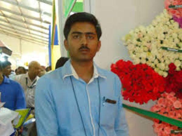 બિહારના બેગુસરાયના રહેવાસી બ્રજેશ કુમાર 2013થી પશુપાલન કરી રહ્યા છે. - Divya Bhaskar