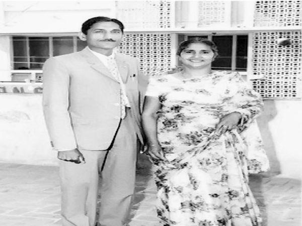 મહાશય ધર્મપાલ ગુલાટી પત્ની લીલાવતી સાથે. લીલાવતીનું 1992માં નિધન થયું હતું. - Divya Bhaskar
