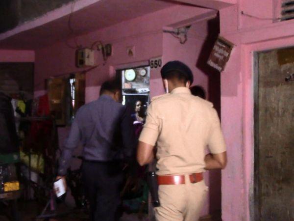 પરિણીતા સતત ઘરે જતી રહેવાની વાત કરતી હોવાથી પતિએ હત્યા કરી. - Divya Bhaskar