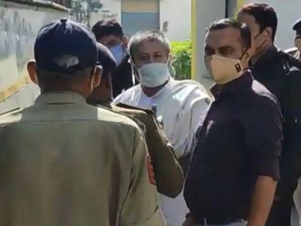 જેલમાંથી બહાર આવી નારાયણ સાંઈએ કોર્ટ અને સરકારનો આભાર માન્યો. - Divya Bhaskar
