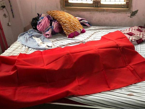 મહિલા પીએસઆઈ લોહીલુહાણ હાલતમાં મૃત મળી આવ્યા હતા.