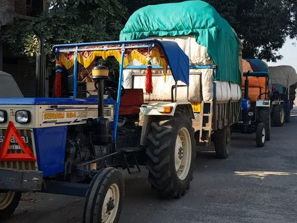 ખેડૂતો કપાસ વેચવા માટે ઉમટી પડ્યા