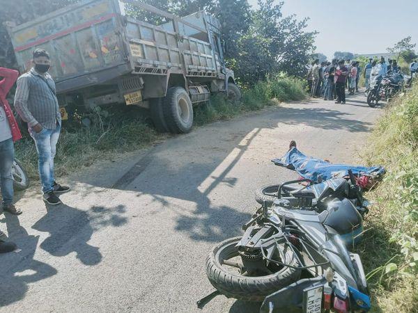ટ્રકની અડફેટે મોટર સાયકલ ચાલક યુવકનું ઘટના સ્થળેજ મોત થયું હતું. - Divya Bhaskar