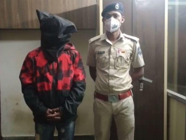 પોલીસે કુશ પટેલનો કોરોના ટેસ્ટ નેગેટિવ આવતાં ધરપકડ કરીને કાયદેસરની કાર્યવાહી હાથ ધરી છે. - Divya Bhaskar