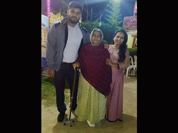 કલોલ બ્લાસ્ટમાં મૃત્યુ પામેલાં અમિત, તેમનાં પત્ની પિનલબેન અને વૃદ્ધ દાદી. - Divya Bhaskar