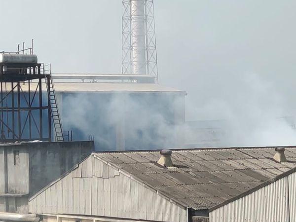 કોરોના કાળ વચ્ચે વધતું હવા પ્રદુષણ આરોગ્ય માટે ચિંતાજનક સાબિત થયુ છે. - Divya Bhaskar