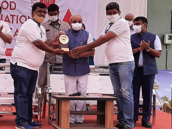 મહારક્તદાન શિબિરનું આયોજન કરવામાં આવ્યું - Divya Bhaskar