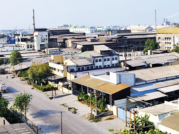 કોરોનાકાળ છતાં પણ વાપીની ફાર્મા કંપનીઓના ઉત્પાદનમાં 20 ટકાનો વધારોનોંઘાયો હતો. - Divya Bhaskar