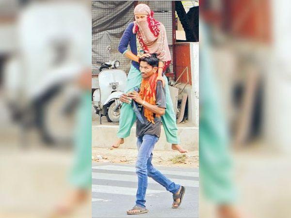 લૉકડાઉન દરમિયાન ગુજરાતમાં કામ કરતા લાખો શ્રમિકોએ પરિવાર સાથે પગપાળા સ્થળાંતર કર્યું હતું