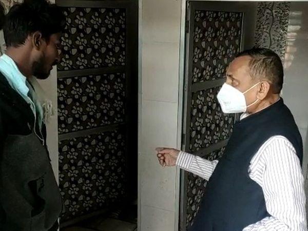 નસવાડી સામૂહિક શોચાલય પર ધારાસભ્ય સફાઈનું નિરીક્ષણ કર્યું. - Divya Bhaskar