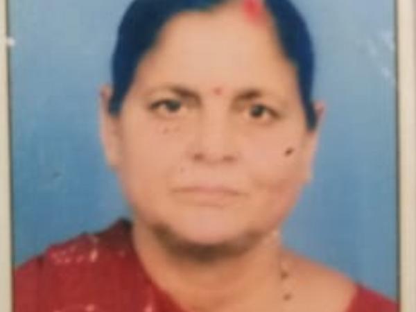 સિવિલ હોસ્પિટલમાં 60 વર્ષના વૃદ્ધાના મોત બાદ પીએમ મોડું થતાં પરિવારજનો અટવાયા હતાં.(ફાઈલ તસવીર) - Divya Bhaskar