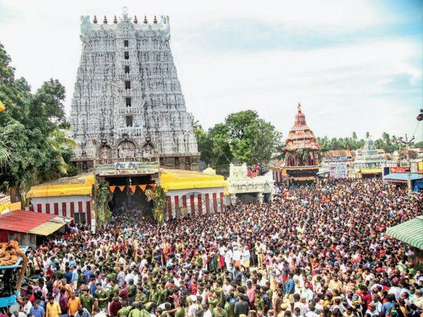 મરગાજીમાં હજારો શ્રદ્ધાળુઓ ઊમટી પડ્યા - Divya Bhaskar