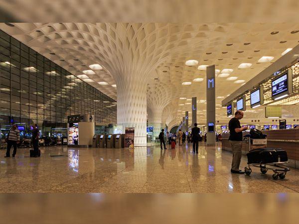 મુંબઈ એરપોર્ટ - Divya Bhaskar