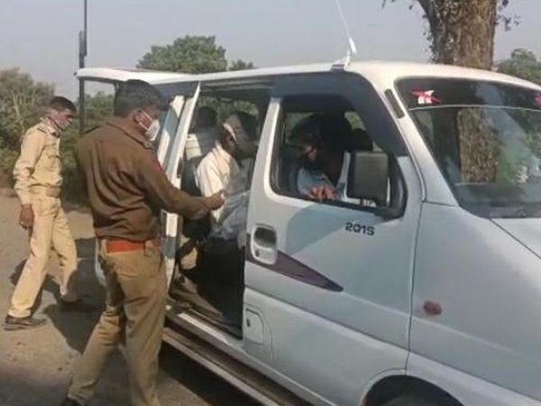 અરવલ્લી જિલ્લા પોલીસે મેઘરજ ભિલોડા અને શામળાજી સહિતના  રસ્તાઓ ઉપર વાહન ચેકીંગ કામગીરી સઘન બનાવી છે - Divya Bhaskar