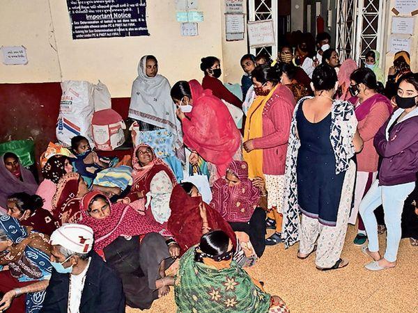 આખા સૌરાષ્ટ્રમાં નામના ધરાવતી જી.જી. હોસ્પિટલમાં ગાયનેક વિભાગની આવી હાલત સૌનાની થાળીમાં લોઢાની મેખ સમાન બની રહી છે.