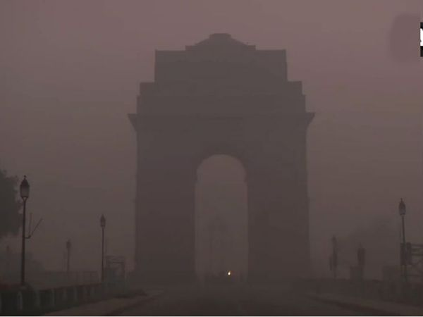 1લી જાન્યુઆરીના રોજ સવારે દિલ્હીમાં દ્રશ્યતા 200 મીટર રહી ગઈ છે