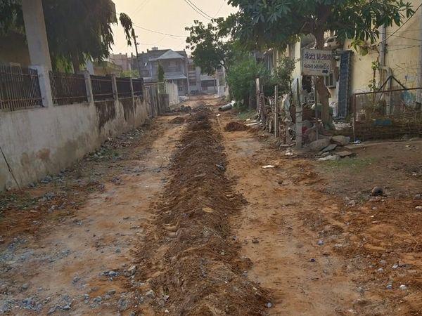 સાબરમતી ગેસ અને મોડાસા નગરપાલિકા વચ્ચેના સંકલનના અભાવે મોડાસામાં ગેસ યોજના અટવાઇ - Divya Bhaskar