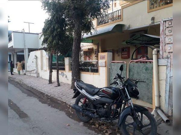 શહેરના સે-27માં બંધ ઘરમાં 4 લાખની મત્તાની ચોરી થઈ હતી. - Divya Bhaskar