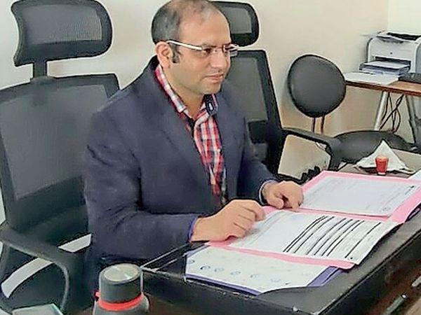 ડૉ. કાર્તિક પુરોહિત, બ્લડકેન્સર સ્પેશ્યાલીસ્ટ એશિયન હોસ્પિટલ ઓફ મેડિકલ સાયન્સ,ફરીદાબાદ - Divya Bhaskar