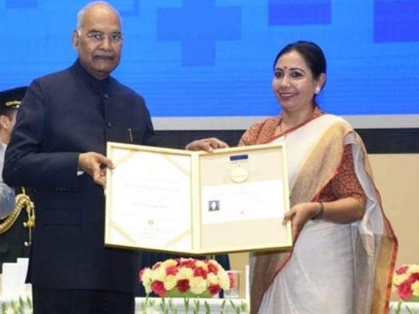 2019માં રાષ્ટ્રપતિના હસ્તે ફ્લોરેન્સ નાઇન્ટિંગલ એવોર્ડ લેનાર કૈલાશબેન સોલંકીને ભાજપે ટીકીટ આપી. - Divya Bhaskar