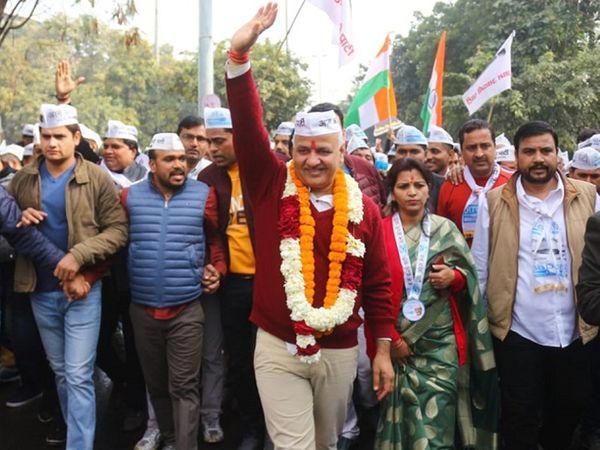 કોંગ્રેસે સ્થાનિકોના મુદ્દાઓ માટે કોઈ મોટું આંદોલન કે લડત આપી નથી: દિલ્હીના નાયબ મુખ્યમંત્રી - Divya Bhaskar