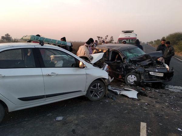 અકસ્માતમાં બંને કારનો ભુક્કો બોલાઇ ગયો હતો. અકસ્માતમાં 3ને ઇજા થઇ હતી. - Divya Bhaskar
