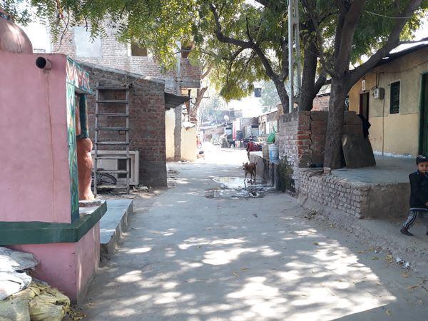 નડિયાદના વોર્ડ નં.7માં દેવકીયા ફળીયામાં પાણીની સમસ્યાથી વોર્ડ વાસીઓ પરેશાન થઇ ગયાં છે. - Divya Bhaskar