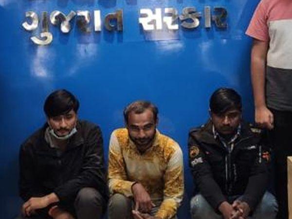 ટેક્સચોરીમાં પકડાયેલા આરોપી - Divya Bhaskar