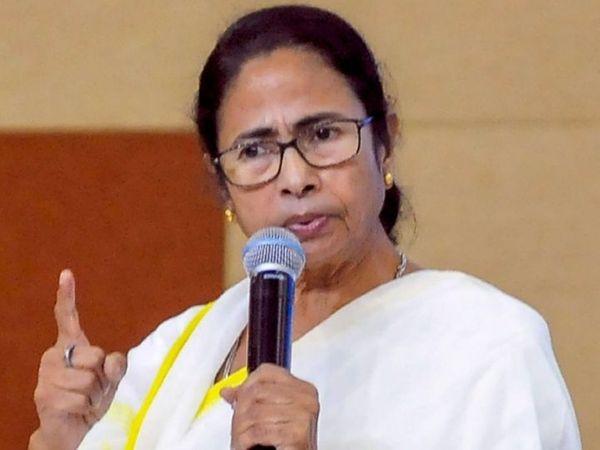 પશ્ચિમ બંગાળના મુખ્યમંત્રી મમતા બેનર્જીએ કહ્યું કે ભાજપ તમામ ધર્મોના લોકોને એકસાથે લઈને નથી ચાલતા (ફાઈલ ફોટો) - Divya Bhaskar