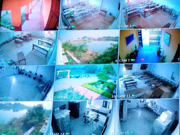 ગામમાં નજર રાખવા માટે 34 CCTV કેમેરા લગાવાયા છે.
