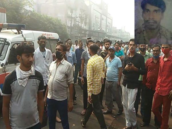 યુવાન(ફાઈલ તસવીર)નું મોત થતા સાથી કામદારો એકઠાં થયા. - Divya Bhaskar