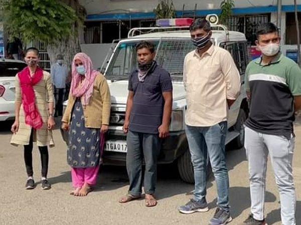 વેજલપુર પોલીસે ગુનો નોંધી બાળકીની માતા સહિત યુવકની ધરપકડ કરી કાયદેસરની કાર્યવાહી હાથ ધરી છે. - Divya Bhaskar