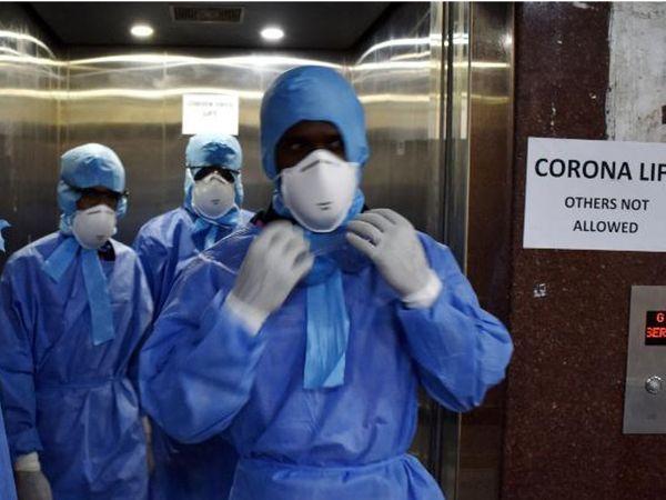 કોરોના સંક્રમણમાં ફરીથી વધારો થતાં હોસ્પિટલમાં એક્ટિવ કેસની સંખ્યા વધી રહી છે. - Divya Bhaskar