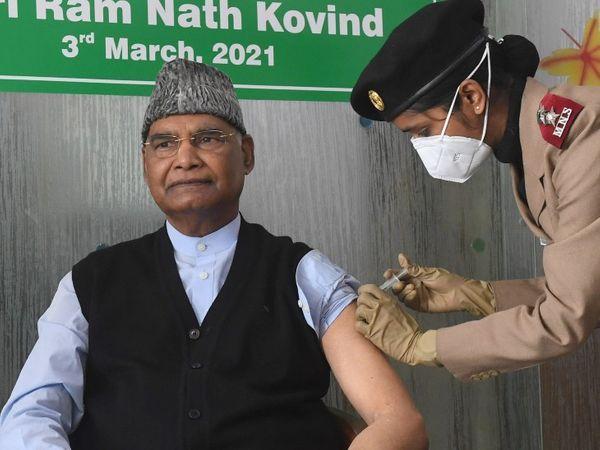 દિલ્હીની RR હોસ્પિટલમાં કોરોનાની વેક્સિન લેતા રાષ્ટ્રપતિ રામનાથ કોવિંદ. - Divya Bhaskar