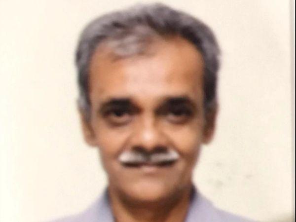 નરેન્દ્રભાઇ સોની ખંડેરાવ માર્કેટ ગયા હતા અને ત્યાંથી ગુજરાત સ્ટોર્સમાંથી જંતુનાશક દવા ખરીદીને લાવ્યા હતા