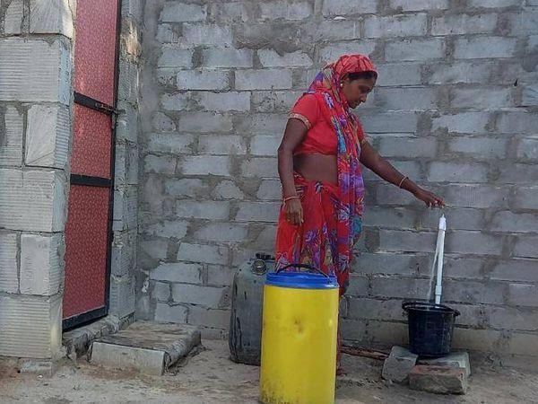 રાજ્યમાં 2022 સુધીમાં 'નલ સે જલ' યોજના અંતર્ગત 100 ટકા મકાનોમાં પાણી પહોંચાડાશે - Divya Bhaskar