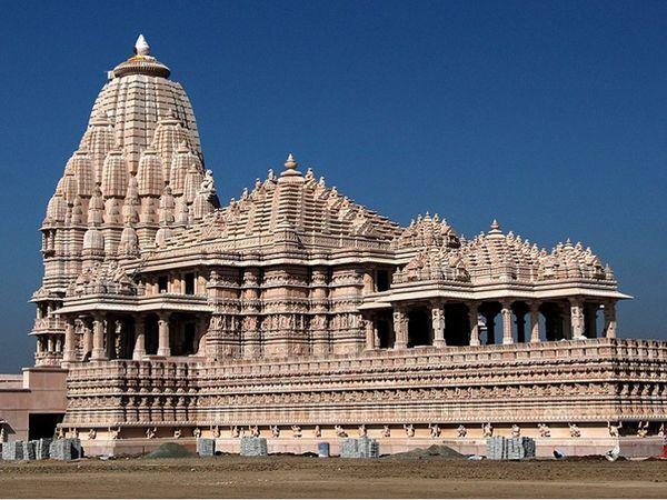 ખોડલધામ મંદિરની ફાઈલ તસ્વીર