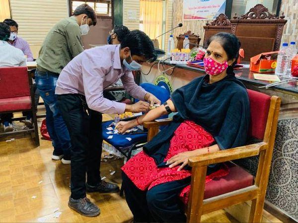 150 વ્યક્તિઓએ જનરલ તપાસ કરાવી હતી - Divya Bhaskar