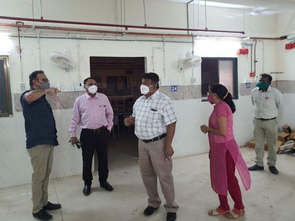 ડો. વિનોદ રાવે અધિકારીઓ સાથે બેઠક યોજીને કોવિડ સારવારની પરિસ્થિતિ ની સમીક્ષા કરી - Divya Bhaskar