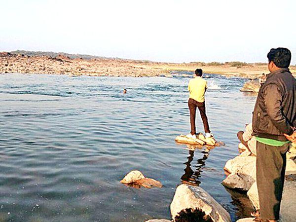 લાંછનપુર પાસેથી પસાર થતી મહીસાગર નદી(ફાઈલ તસવીર)