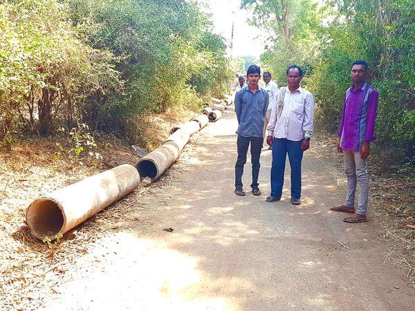ખુશાલપુરા ગામે મુખ્યની ગટર લાઈન અધૂરી છે. - Divya Bhaskar